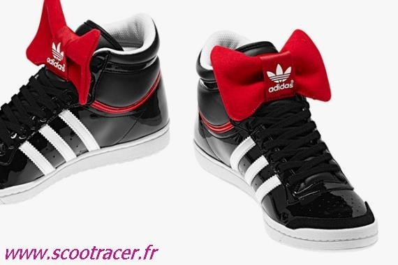 basket adidas avec noeud papillon