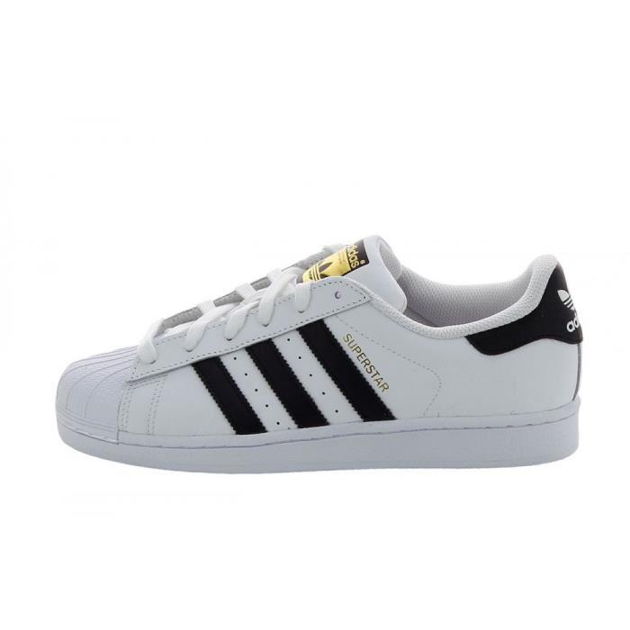 basket adidas noir et blanche